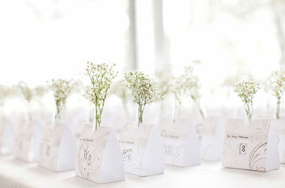 organiza a los invitados con estilo escort cards. Black Bedroom Furniture Sets. Home Design Ideas