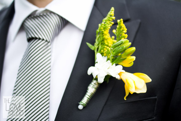 Boutonniere.  Fotografía de boda: The Love Studio