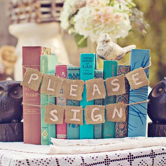 Meseros boda originales for Decoracion con libros