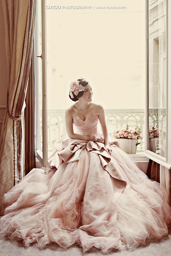 Vestido de novia en color blush
