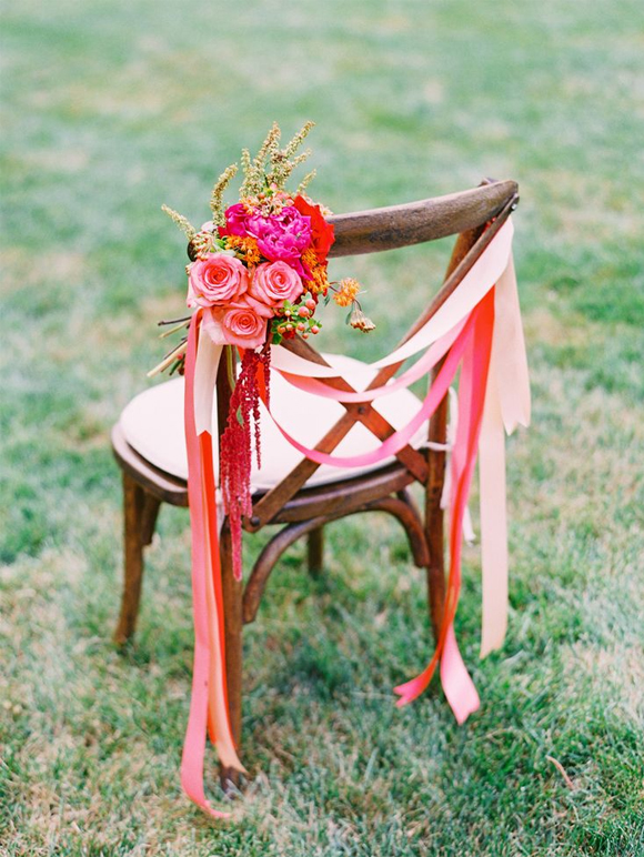 Ideas para decorar una boda con sillas de madera
